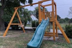 Dětské hřišě na  oplocené zahradě